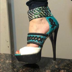 Gwen Stefani leather pumps 8